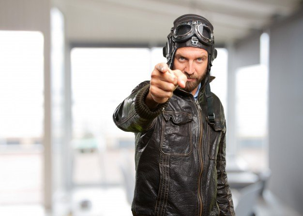 blond-pilot-angry-expression_1194-3790.jpg