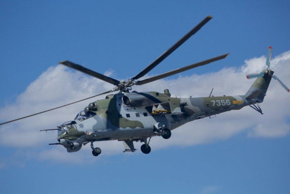 2073431249_Mil_Mi-24V-Mi-35_Hind_Czech_Air_Force_(19944866421).thumb.jpg.172936e92c207f16126bb1b5a84dc50d.jpg